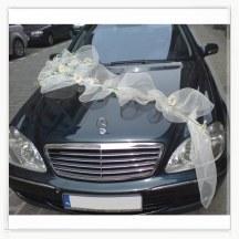 Dekoracja samochodu do ślubu