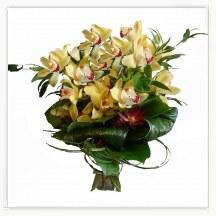 Elegacki bukiet ze storczykiem- orchidea